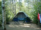 Terrain 1 service (�lectricit�) pour tente