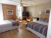Chambre régulière avec 2 lits (double ou queen)